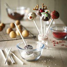 Cute festive cake pops made easy! #christmas #baking