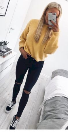 35 trendy fall outfits for school that you have to wear now fashion Teenager Outfits fall fashion Outfits school trendy wear Trendy Fall Outfits, Fall Outfits For School, Casual Winter Outfits, Autumn Casual, Summer Outfits, Tumblr Fall Outfits, Cute Outfit Ideas For School, Cute Outfits For Girls, Stylish Outfits
