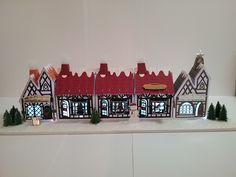 Blog Tonic: Tudor Town Street - Victoria Dalziel George & Dragon, Tonic Cards, Tudor House, Putz Houses, Paper Houses, Little Houses, Sewing Crafts, Studios, Victoria