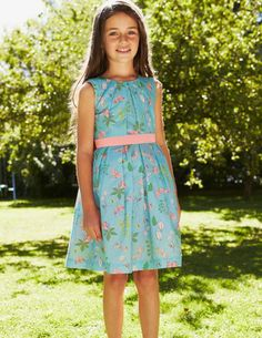 I've spotted this @BodenClothing Vintage Dress  Love it in Thistle Poppy Field--the purple