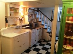 Check out this awesome listing on Airbnb: Mrs Jensen's Bakery Suite  - Apartments for Rent in Tacoma - Get $25 credit with Airbnb if you sign up with this link http://www.airbnb.com/c/groberts22