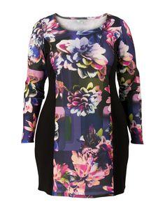 Jurk bloem zwart koop je online bij Miss Etam. Afhalen in één van onze 130 winkels of snel thuis bezorgd. 30 Dagen bedenktijd. Bestel Direct!