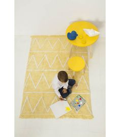 Hippy Rug - this yellow zigzag rug is not only super-soft, it's machine-washable!