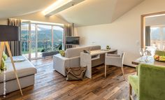 Folge uns heute in das Hotel Bergkristall in Oberstaufen im Allgäu. Der perfekte Ort für einen Wellnessurlaub. Hier geht's zum neuen Hotelbericht von Svenja: http://www.luxuszeit.com/hotelbewertung/hotel-bergkristall-oberstaufen.html