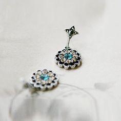 Delicate Rhinestone Embellished Women's Waterdrop Shape Earrings