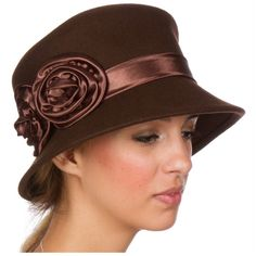 Features soft wool construction, satin band, satin rosette accent and adjustable elastic satin crown. A classic vintage inspired hat is the perfect accessory to complete your outfit. Vintage Purses, Vintage Shoes, Victorian Fashion, Vintage Fashion, 1930s Fashion, Vintage Style, Knitwear Fashion, Fashion Hats, Steampunk Top Hat