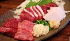 【Ketobashiya Champion Tenma Store】 This is the place to come to try a range of horsemeat dishes, from rare cuts of 'basashi' (raw horsemeat), to grilled horsemeat, and even their own signature horsemeat dishes!