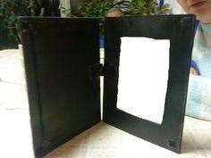 the 'keyboard frame' has a secret pocket for secret pictures :D