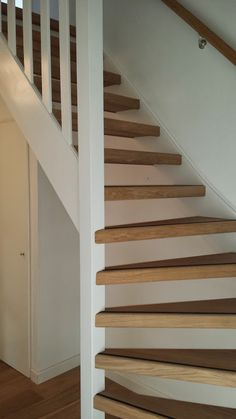 Trap on pinterest stairs stair drawers and stair storage - Idee voor trappen ...