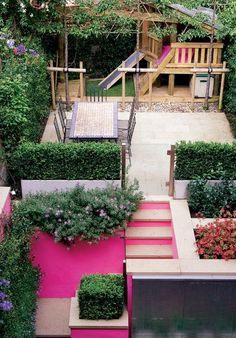 Even though it's a small backyard, they made use of every inch of it making it fun & inviting.