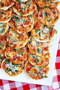 mini-pizza's eenvoudig te maken (eventueel maken en invriezen)