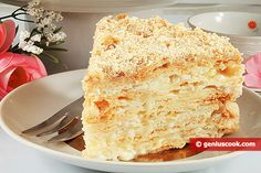 Napoleon - is a tender Russian cake consisting of very thin layers and a delicious cream. Here is our favorite recipe of this cake that we adore. Easy Strawberry Desserts, Healthy Apple Desserts, Summer Dessert Recipes, Dessert Cake Recipes, No Cook Desserts, Lemoncello Dessert, Napoleon Cake, Classic French Desserts, Dinner Party Desserts