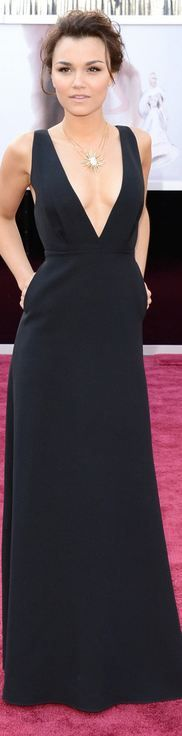 Samantha Barks at the 2013 Academy Awards - Valentino  Ooooh Yeah I sooO desire this dress!!! :) It is red carpet puurrrfect!!!