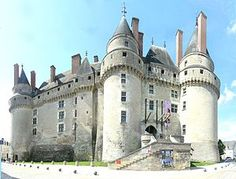 The Château de Langeais +++ is a medieval castle, rebuilt as a château, in Indre-et-Loire, France, built on a promontory created by the small valley of the Roumer River at the opening to the Loire Valley.