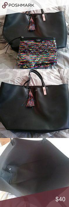 NWT Victoria Secret beach bag NWT Beach bag and accessories bag Victoria secret Bags Totes
