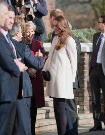 Kate Middleton erholt sich bei ihren Eltern - Top Story