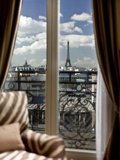 View at 5 star hotel: Hyatt Paris Madeleine Hotel. This hotel's address is: 24 Boulevard Malesherbes Champs Elysées Paris 75008 and have 86 rooms Great Places, Places To Go, Beautiful Places, Amazing Places, Tour Eiffel, Paris Balcony, Room Reservation, Great Hotel, Paris Hotels