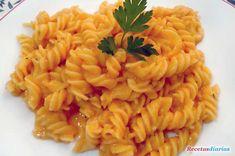 Receta de Fusilli con salsa de queso y tomate de dificultad Muy fácil para 4 personas lista en 30 minutos.