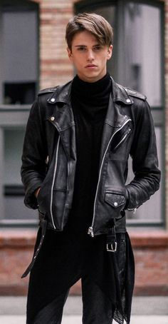Black leather jacket topman - The best jackets and coats of your choice Black Leather Biker Jacket, Leather Jacket Outfits, Leather Jackets, Leather Pants, Leather Fashion, Leather Men, Custom Leather, Estilo Bad Boy, Look Fashion