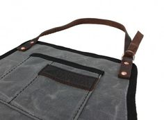 RuggedMaterial_WaxedCanvas_leather_shop_apron_charcoal_Neck