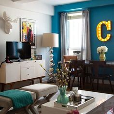 SNL's @cecilystrong turned her NYC apartment into her dream space – with the help of a Home Stylist from @westelmchelsea! See more today on our blog. #mywestelm #decor #studiostyle