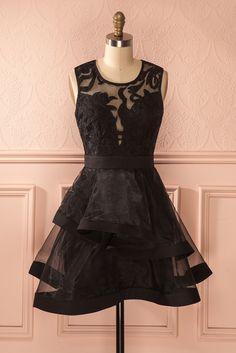 Karlotta - Elle porte bien son nom cette petite robe noire....Ils l'auraient appellee Charlotte...j'aurai moins aimé 😆