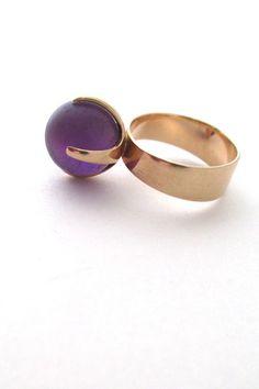 Visibly Interesting: Elis Kauppi for Kupittaan Kulta vintage Scandinavian Modernist 14k gold amethyst ring