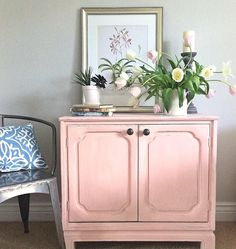 Thrift finds are the best finds! Lisa of Vintage Reminted Handprinted Furniture transformed a $20 oak cabinet with the help of Chalk Paint®. She painted the cabinet with a mix of Chalk Paint® in Scandinavian Pink and Old White. She then distressed the piece lightly and applied Clear Chalk Paint® Wax. Perfectly pretty in pink!