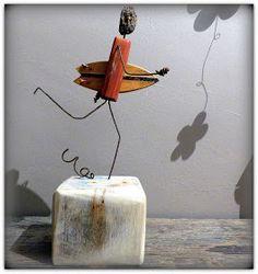 surf art, driftwood, statue surfeur