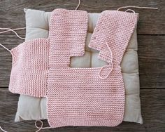 Step By Step Baby Cardigan - Best Knitting Diy Crafts Knitting, Knitting For Kids, Baby Knitting Patterns, Baby Patterns, Crochet Cardigan Pattern, Knit Crochet, Pull Bebe, Baby Coat, Baby Sweaters