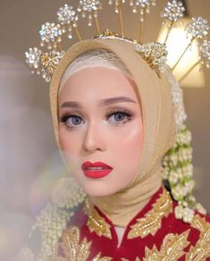 Wedding Beauty, Wedding Makeup, Dream Wedding, Wedding Hijab Styles, Wedding Dresses, Javanese Wedding, Dress Pesta, Bridal Makeup Looks, Old Fashioned Cocktail