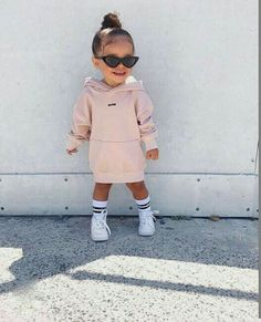Cute Little Girls Outfits, Cute Little Baby, Kids Outfits Girls, Toddler Girl Outfits, Toddler Girl Style, Cute Kids Fashion, Baby Girl Fashion, Toddler Fashion, Outfits Niños