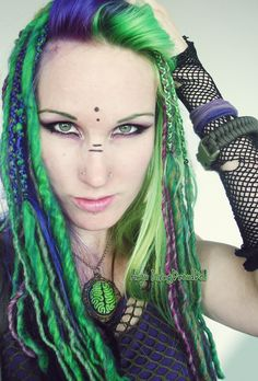 installing dreads atm - #LivingDreadDoll #green #purple #wool #dreads #cyber #goth #post #apocalyptic #tribe #colours #dreadlocks #brains #two #tone #hair