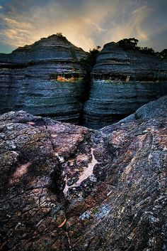 """Amazing """"pagoda"""" formations and rock detail at Dunns Swamp, Wollemi National Park, NSW, Australia."""
