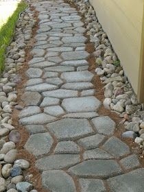 DIY stepping stone path. Will do this!