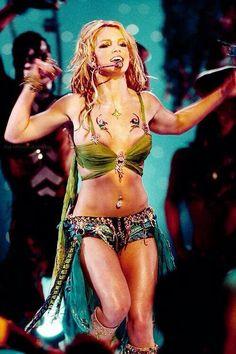 I'm A Slave 4 U VMA's 2001