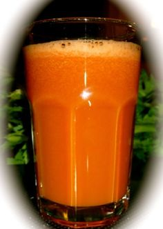 This juice is specifically made for diabetics. It is made from only three vegetables, all of which have been shown to stabilise sugar levels.Carrot is known to regulate sugar levels and adds sweetness to this juice. Cucumber and Tomato are know to regulate sugar levels in urine.When you drink this juice you will be forgiven for thinking that it is watermelon.Yum!Ingredients: 2 Large organic carrots 1 Large or two small cucumbers 4 ripe Tomatoes Makes ...