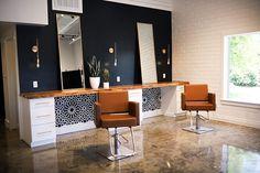 Home Hair Salons, Hair Salon Interior, Salon Interior Design, Home Salon, Salon Design, Interior Exterior, Beauty Salon Decor, Salon Equipment, Salon Furniture
