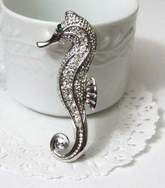 Seahorse Silver Brooch / Pin by AraceliValencia on Etsy