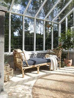 De 4 fedeste stilarter, du skal satse på i dit uderum denne Outdoor Rooms, Outdoor Gardens, Outdoor Living, Outdoor Decor, Swansea, Glass House, Cool Ideas, Future House, Backyard
