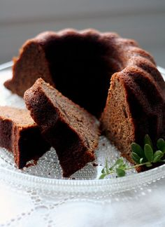 Mom's Christmas Cake from Dates. Famous cake in Finland during Christmas Season. Baking Recipes, Cake Recipes, Finnish Recipes, Cake & Co, Sweet Pastries, Baked Donuts, Little Cakes, Piece Of Cakes, Coffee Cake