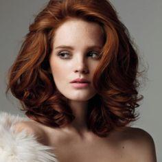 Cheveux sains et brillants, une coloration adaptée a vos besoins. Plus d'infos sur nos nouveaux produits de coloration sur: Mycouleur.com