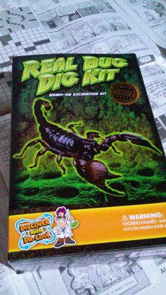 Psycho Suzy's Crazy Life : Dig for Bugs Kit