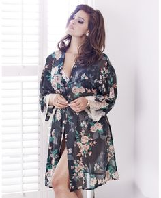 """Anna Scholz"" Anna Scholz Vintage Rose Kimono at Simply Be"