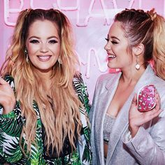 Twinnies and our Tangle Teezers! 💓✌🏻 Our faces just say it all, we are so happy! I'm the luckiest to share all these incredible opportunities with you @lydia_connell! We had the best time last night at our @tangleteezer party! Also, thank-you @carlbembridgehair for our hair! I loved that we were both twinning with long hair! More photos over on my Insta Stories! 🎀✨ Insta Story, More Photos, Tangled, Faces, The Incredibles, Photo And Video, Long Hair Styles, Night, My Love