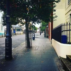 Bishop Street Derry. #northernireland #streetphotography #tree #bishopsgate #ThomasRaven #1622 #history #derry