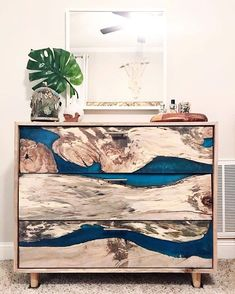 Serious new lady woodworker crush WOW. This resin rover piece is unreal. Resin Furniture, Woodworking Furniture, Furniture Projects, Wood Projects, Diy Resin Art, Diy Resin Crafts, Wood Crafts, Epoxy Wood Table, Epoxy Resin Wood