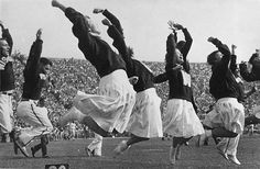 Cheerleading - Cheerleaders at the University of Wisconsin, Madison in 1948 History Of Cheerleading, Cheerleading Pictures, Gender Roles, Oral History, Wisconsin Badgers, University Of Wisconsin, Historical Images, The Good Old Days, Vintage Images