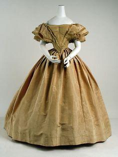 The Metropolitan Museum of Art - Evening dress 1850s Fashion, Victorian Fashion, Vintage Fashion, Victorian Dresses, Victorian Gothic, Steampunk Fashion, Gothic Lolita, Gothic Fashion, Antique Clothing