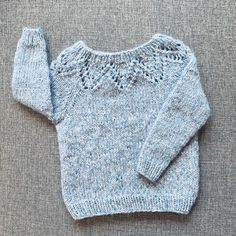Winter in the Apennines / DROPS - Gratis strikkeoppskrifter fra DROPS Design Baby Knitting Patterns, Baby Sweater Knitting Pattern, Crochet Dolls Free Patterns, Knit Baby Sweaters, Knitting For Kids, Baby Patterns, Free Knitting, Scarf Patterns, Knitting Machine
